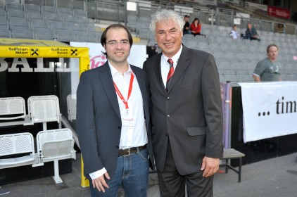 Andreas Neubauer (li.) mit Toni Polster beim &quot;Trialog Champions Cup IV&quot;.